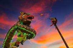 Dragon Dance en una celebración china del ` s del Año Nuevo Fotos de archivo