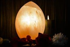 Dragon Egg Natural Salt Lamp | Himalayan salta arkivfoton