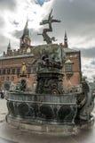 Dragon Fountain, Stadt Hall Square in Kopenhagen, Dänemark Lizenzfreie Stockfotos