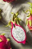 Dragon Fruit orgânico vermelho cru foto de stock