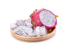 Dragon Fruit vívido e vibrante isolado no fundo branco imagens de stock