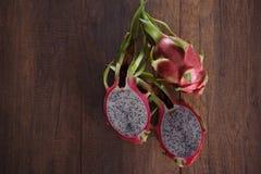 Dragon Fruits dulce en un de madera Imagen de archivo libre de regalías