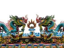 Dragon jumeau sur le temle supérieur de Chinois de toit Images libres de droits