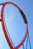 Dragon Khan, eine berühmte Achterbahn des Hafen Aventura-Freizeitparks Stockfoto
