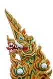 Dragon ou roi thaï de statue de Naga avec de la mousse Image libre de droits