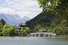 Dragon Pool preto em Lijang Fotos de Stock Royalty Free