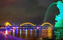 Dragon River Bridge (ponte de Rong) no Da Nang, Vietname fotografia de stock