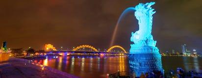 Dragon River Bridge (ponte de Rong) no Da Nang, Vietname fotografia de stock royalty free