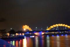 Dragon River Bridge (ponte de Rong) no Da Nang, Vietname imagem de stock royalty free