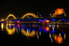 Dragon River Bridge (Rong-Brug) in Da Nang Stock Afbeelding