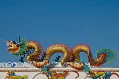 Dragon Statue on the roof Royalty Free Stock Photos