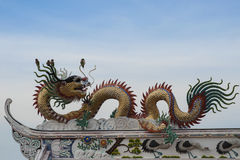 Dragon on temple roof Royalty Free Stock Images