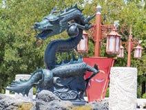 Dragon vert normal semblant fâché de Lego au parc d'attractions d'Aventura de port, Espagne Images stock