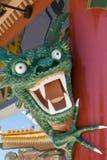 Dragon vert semblant fâché de Lego au parc d'attractions d'Aventura de port, Espagne Photos libres de droits