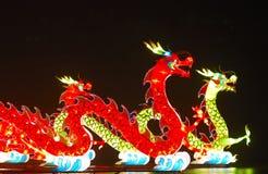 Dragones de Lightful en celebratin del festival de linterna Fotografía de archivo libre de regalías