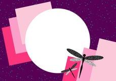 2 dragonflies на розовой фиолетовой иллюстрации космоса 3D экземпляра предпосылки стоковое изображение