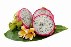 Dragonfruit a isolé sur le blanc Photos stock