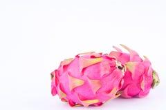 Dragonfruit ou pitaya organique cru frais de fruit du dragon sur la nourriture saine de fruit du dragon de fond blanc d'isolement Photographie stock