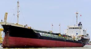 Dragowanie statku rzeka Zdjęcia Stock