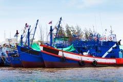 Dragowanie statku rzeka Zdjęcie Stock