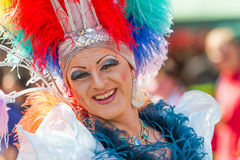 Dragqueen bei Christopher Street Day stockfotos