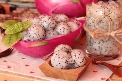 Dragron果子,新鲜,水多和可口的圆滑的人 库存图片