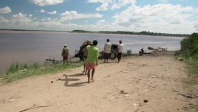 Draht, Bambus, der Mekong, Kambodscha, Südostasien stock video footage