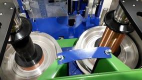 Draht-Wickelmaschine stock video footage