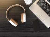 Drahtloser Kopfhörer, Laptop PC Stockbild