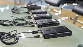 Drahtloser Mikrofonübermittler und drahtloses Mikrofon stockbilder