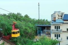 Drahtseilbahn auf Ai-Petri-Berg Die Anfangstraße Lizenzfreie Stockbilder