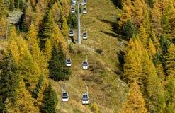 Drahtseilbahn in Ayas-Tal (Nord-Italien) Lizenzfreie Stockbilder