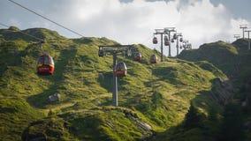 Drahtseilbahn in den Alpen Österreich Kaprun stockfotografie