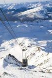 Drahtseilbahn in den Bergen lizenzfreies stockbild