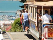 Drahtseilbahn-Förderwagengleis in San Francisco, USA Stockfotos