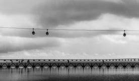 Drahtseilbahn in Lissabon, an OceanÃ-¡ Rio-De Lissabon Lizenzfreie Stockfotografie