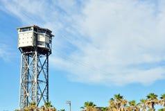 Drahtseilbahn Stadtin der schwarzweiss-Fotostadt, die Barcelona errichtet Stockfoto