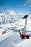 Drahtseilbahn von Gant zu Hohtaelli, Zermatt, die Schweiz Lizenzfreie Stockfotos