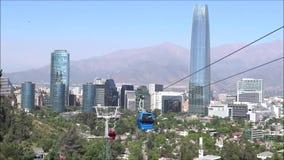 Drahtseilbahnfahrt in Santiago, Chile stock footage