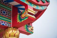 Drake på det kinesiska tempeltaket Royaltyfri Bild
