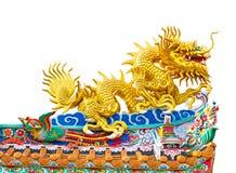 Drake på det kinesiska tempeltaket som isoleras på vit bakgrund Royaltyfri Foto