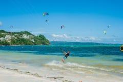 Drake som surfar på Boracay Royaltyfria Foton