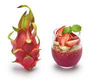 Drakefrukt och pitayabunke Arkivfoton