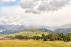 Drakensberg au château de jardin La crête de rhinocéros est évidente Photo libre de droits