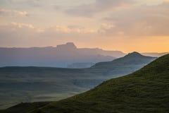 Drakensberg, Południowa Afryka góry podczas zmierzchu widok Zdjęcia Stock