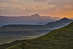 Drakensberg, Południowa Afryka góry podczas zmierzchu widok Fotografia Stock