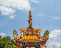Drakenstandbeeld twee torens Royalty-vrije Stock Afbeeldingen