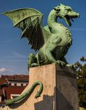 Drakestaty i Ljubljana på drakebron Arkivfoton