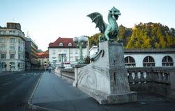 Drakestaty på bron i Ljubljana Royaltyfri Foto