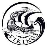 Drakkar, barca Viking, nave da guerra d'annata di navigazione Fotografie Stock